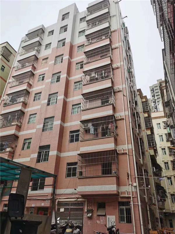 145平,共七套:两套一房一厅,5套单间,周边环境可以,生活配套齐全